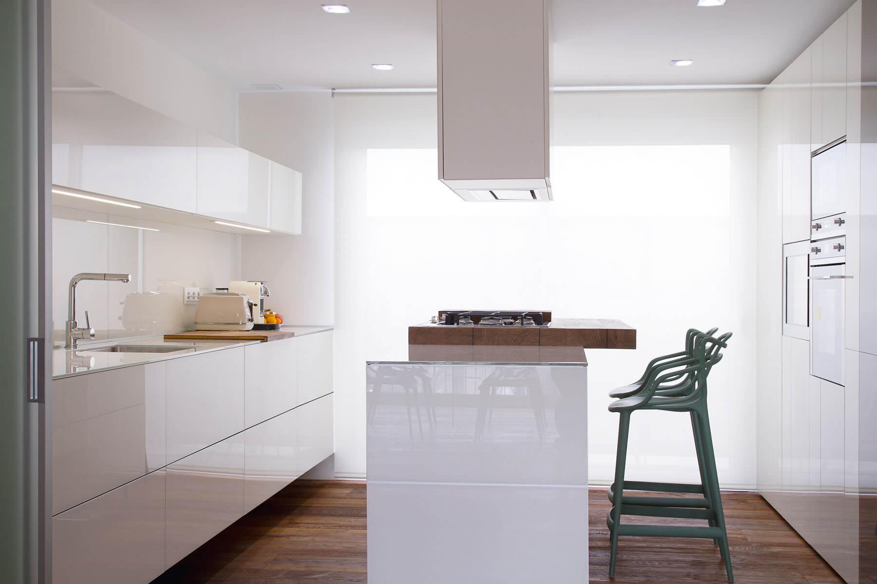 Cucina-Bianca-con-Dispensa - Casa Più