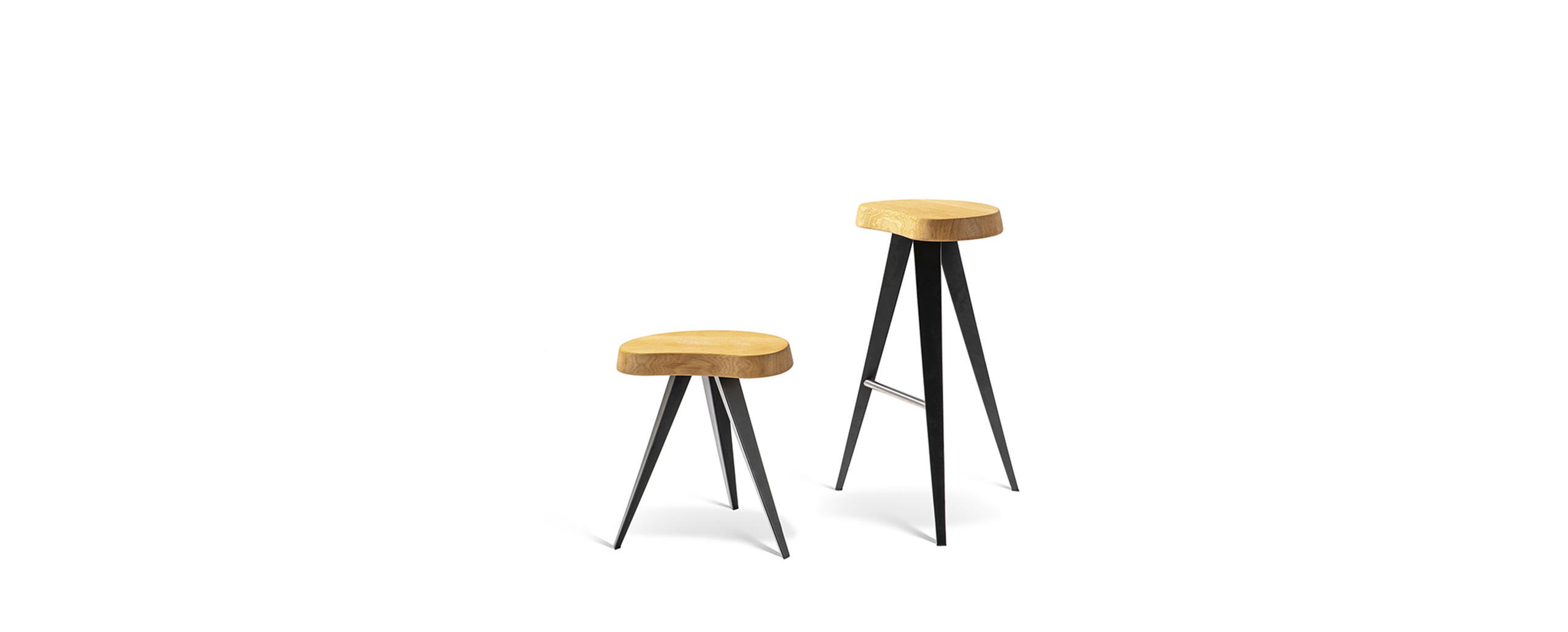 2_cassina_mexique_charlotte_perriand_bar_stools